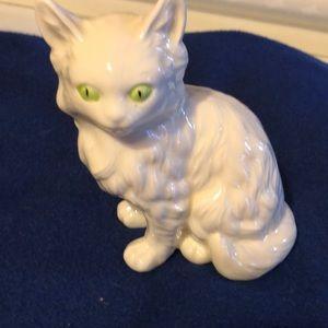 Beautiful vintage Ceramic White green eyes cat 6x6